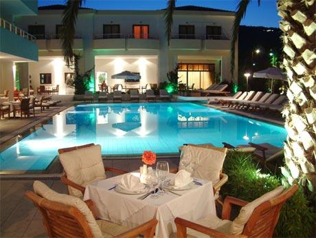 La piscine art hotel gtp for Art piscine hotel skiathos